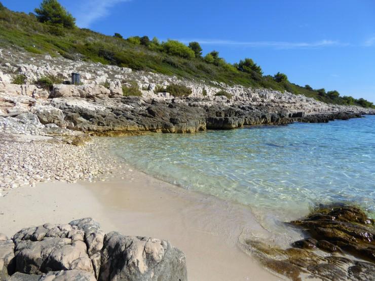 Pakleni island beaches