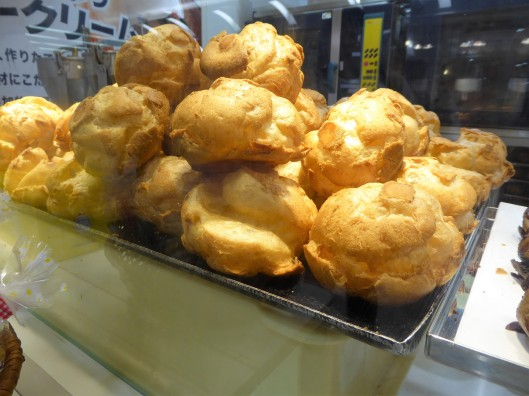choux cream puffs