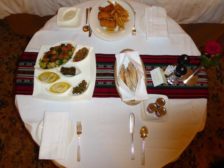 shangri-la hotel room service