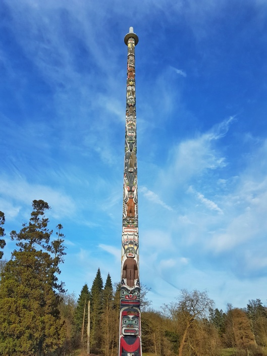 Totem Pole, Surrey