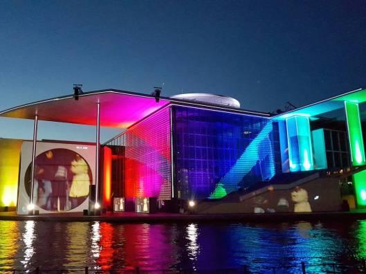 Berlin Bundestag light show