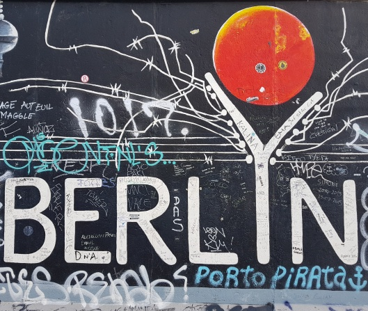 Berlin street art photos