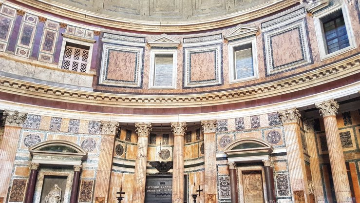 Inside Pantheon Rome