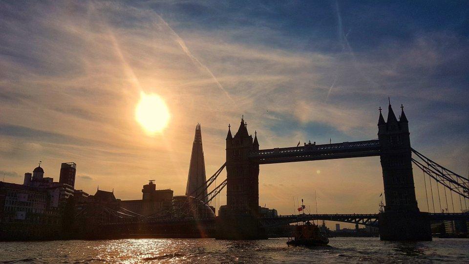 sunset boat river Thames
