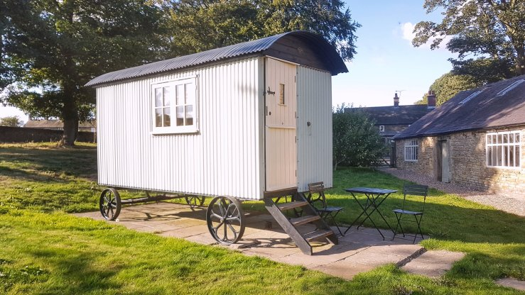 travel gift experience shepherds hut