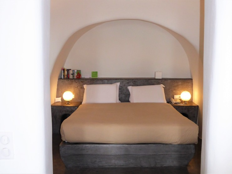 luxury hotel Oia Santorini