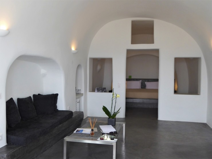 cave hotels Santorini