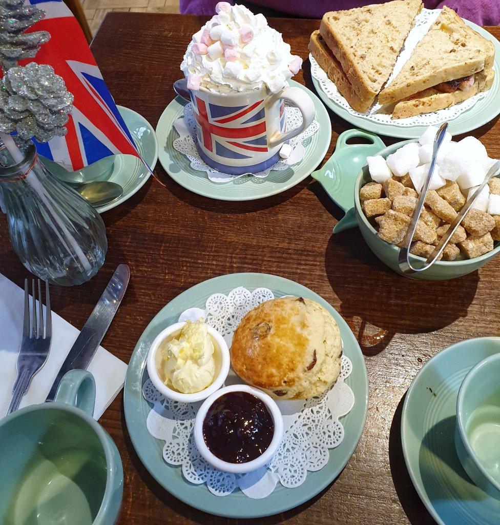 Four Teas cream tea
